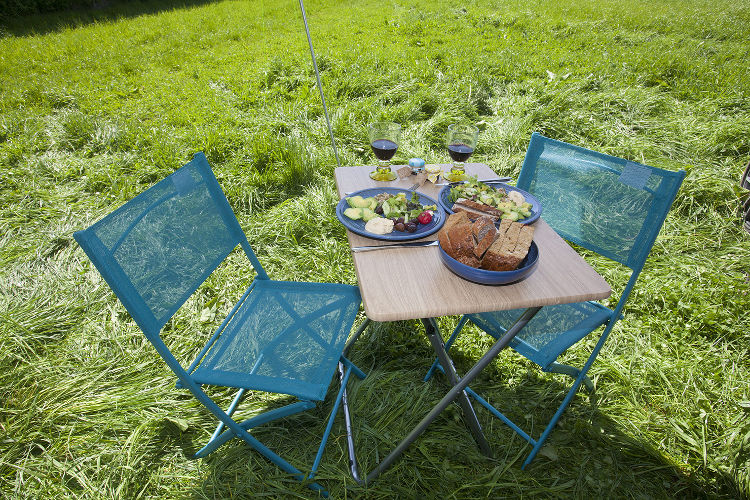 Table and Chairs for alfresco dining.